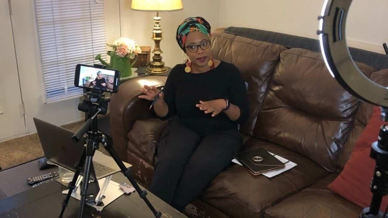 yt thumbnail-ebony filming yt videos